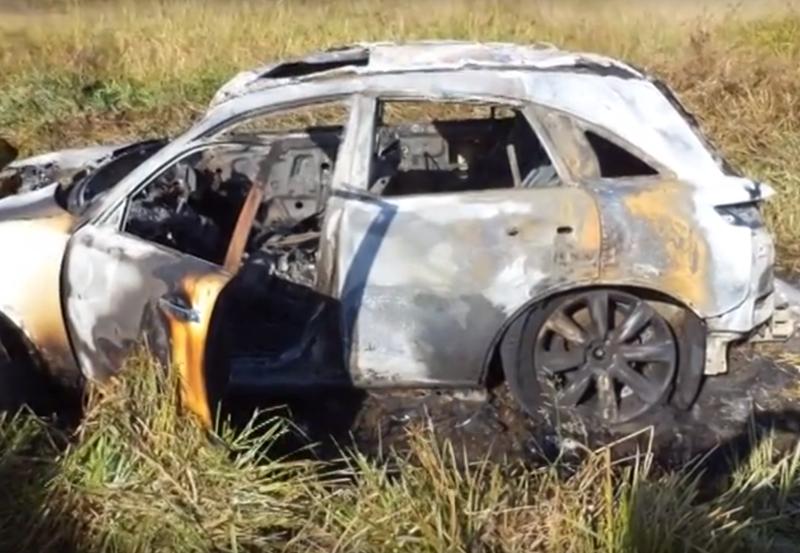 В Мысках сгорел дорогостоящий автомобиль