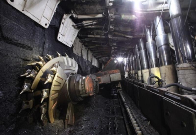 В Кузбассе судебные приставы приостановили работу трёх шахт