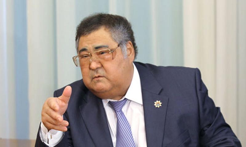 Тулеев считает дело против его заместителей попыткой давления