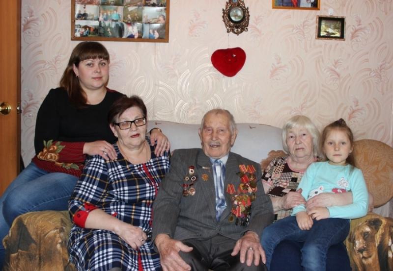 Мысковчанин Сергей Большанин отметил свой 90-летний юбилей