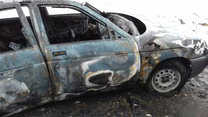 В Мысках на Ключевом сожгли автомобиль