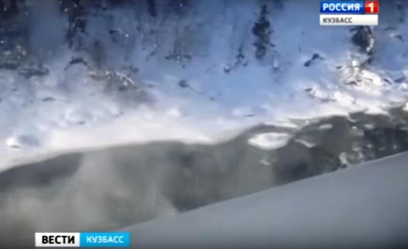 В Кузбассе рыбаки попали в снежный плен