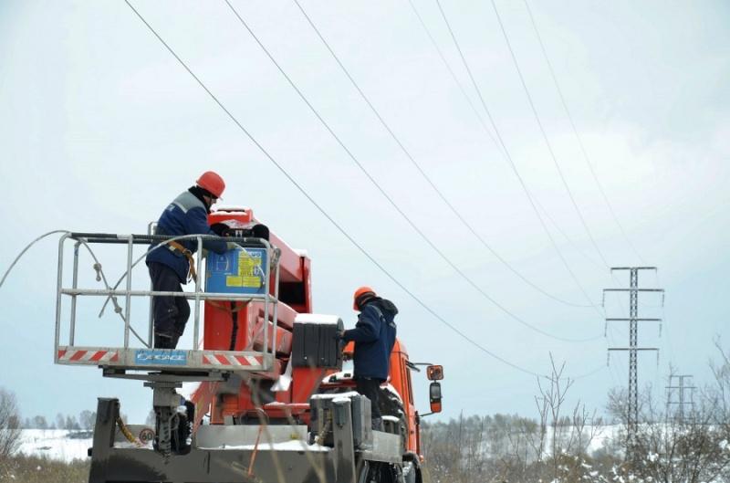Движение поездов в Мысках было остановлено на три часа, из-за работ на ЛЭП