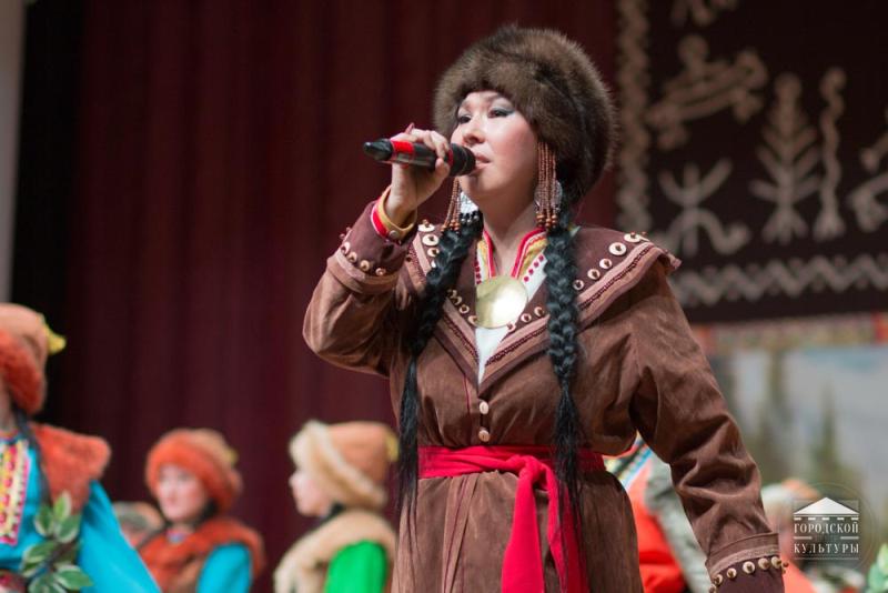 В ГЦК прошла презентация нового альбома «Усчы Элим», Чылтыс Таннагашевой