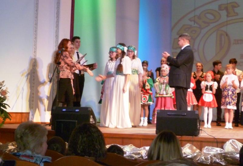 Мысковчанки стали лауреатами III степени на конкурсе исполнителей эстрадной песни «Дебют»