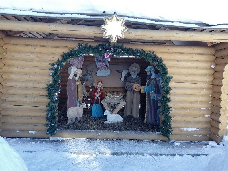 Рождественский вертеп в храме святого преподобного Серафима Саровского