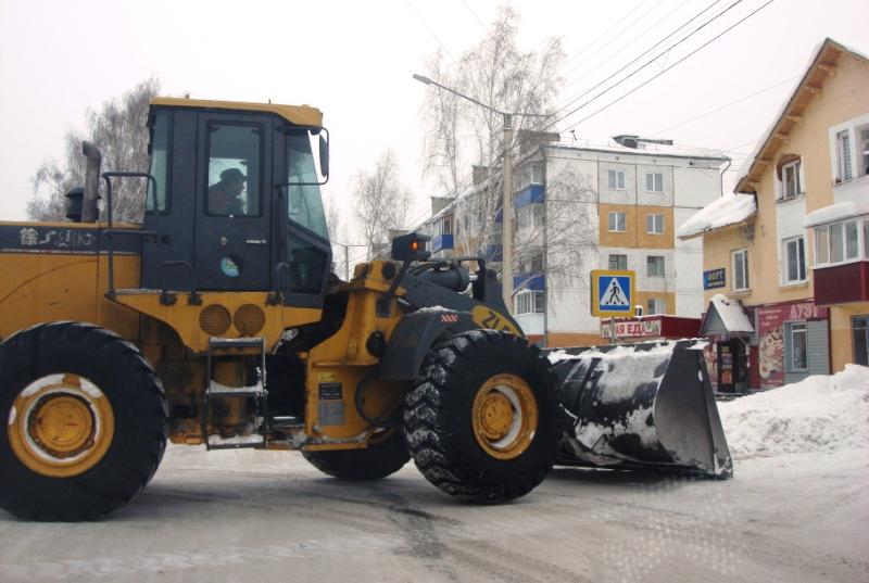 В Мысках коммунальные службы провели массовую очистку снежных заносов