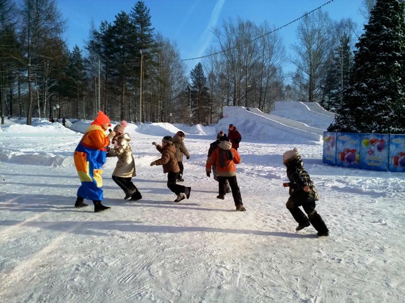 В парке «Юбилейный» состоялся зимний праздник для детей
