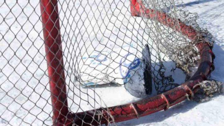 В Мысках пройдет турнир по хоккею с мячом в валенках