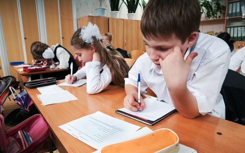С 23 марта школьники Мысков пойдут на каникулы