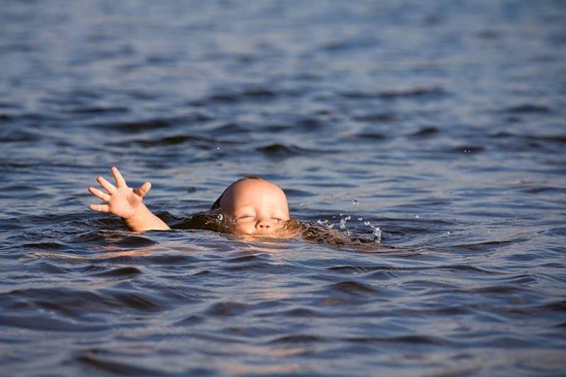В Мысках на технологическом канале ТУ ГРЭС утонул 10-летний мальчик