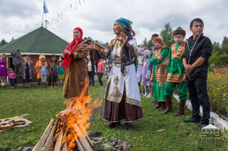 В Мысках отметили Международный день коренных народов