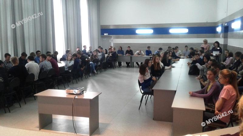 В Томь-Усинском энерготранспортном техникуме состоялся круглый стол с представителями МВД