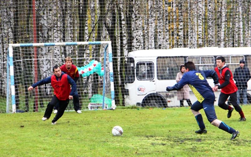 В угольной компании «Южный Кузбасс» прошел традиционный турнир по мини-футболу среди инженерно-технических работников