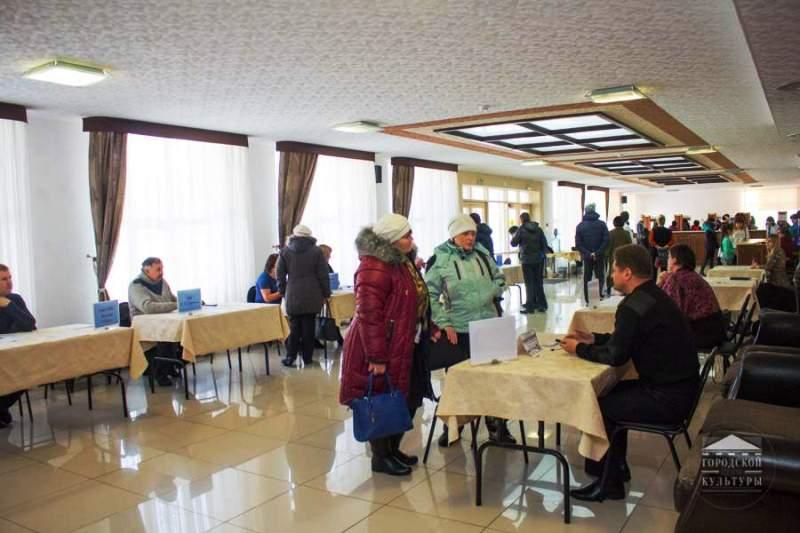 Центр занятости населения Мысков провел городскую ярмарку вакансий
