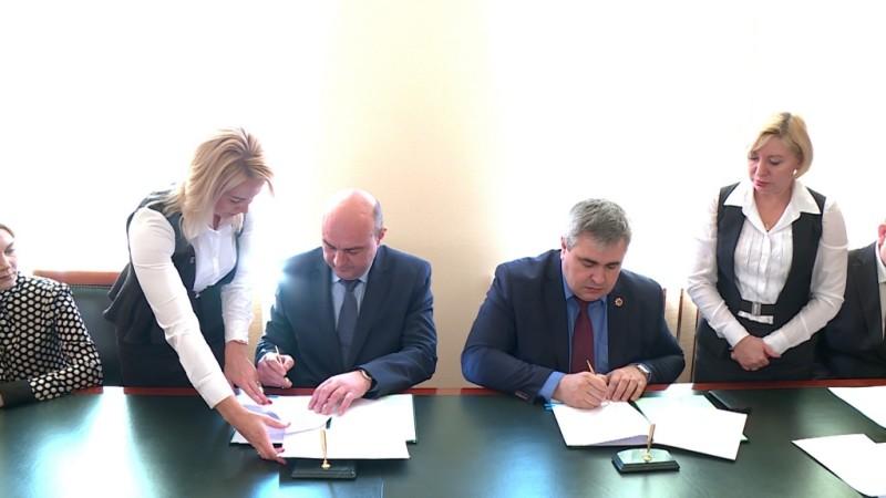 Разрез «Кийзасский» заключил социально-экономическое сотрудничество с обладминистрацией