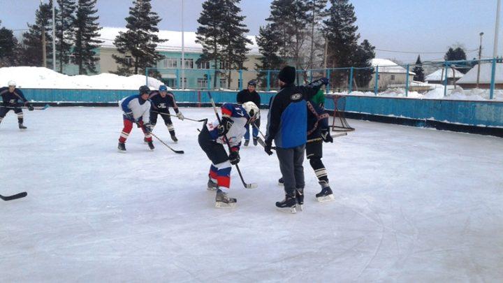 Турнир по хоккею с шайбой пройдет на СК «Энергетик» в Мысках