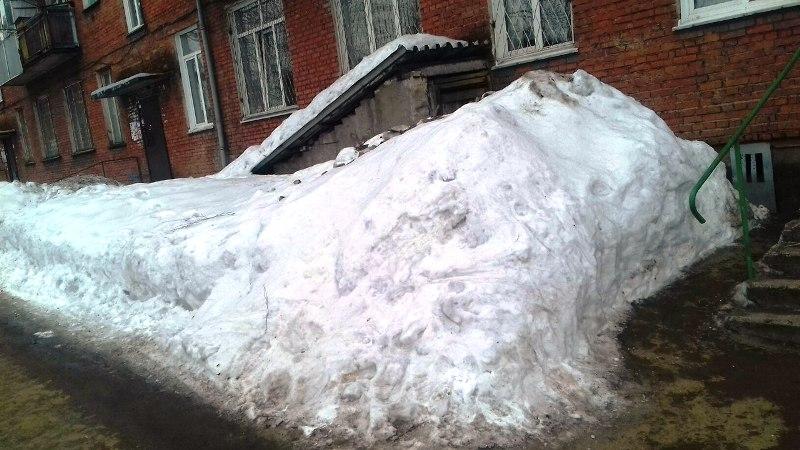 Очистка Мысков от снега идет полным ходом, но есть и проблемы