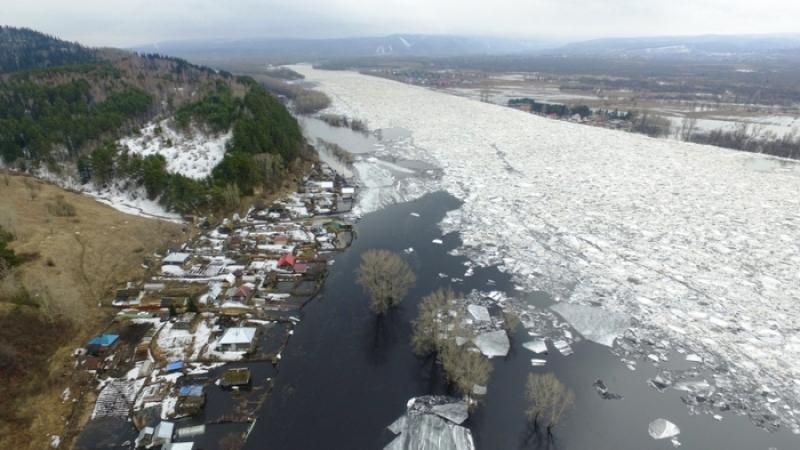 Из-за паводковой обстановки, на отдельных территориях Мысков введен режим ЧС