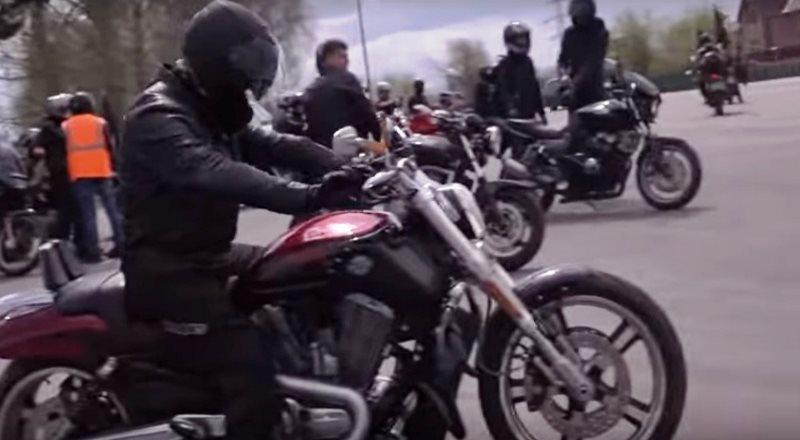 В Мысках состоялся байк-фестиваль «Рев мотора»