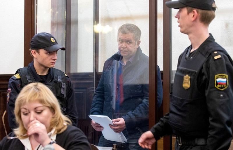 Начальника МЧС Кузбасса арестовали до 25 июля по делу о пожаре в «Зимней вишне»