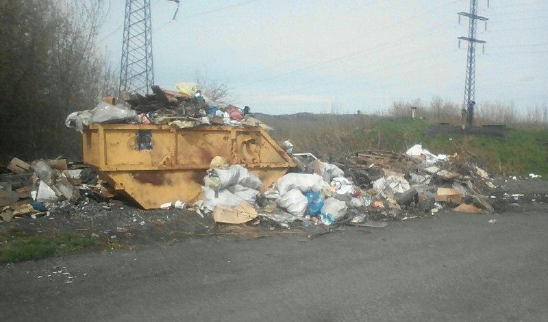 Жителям частного сектора в микрорайоне ГРЭС не вывозят мусор