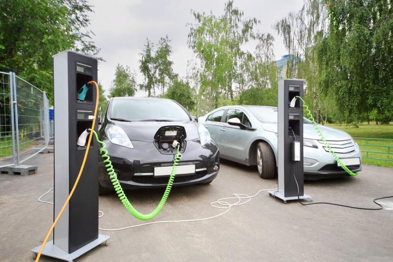 В Кузбассе откроют 10 заправочных станций для электромобилей