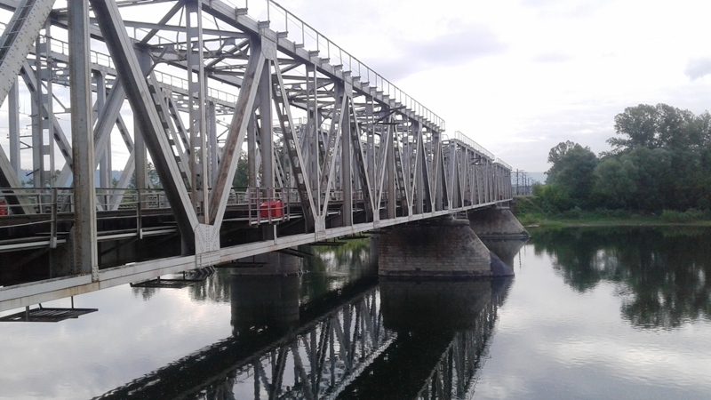 В Мысках на железнодорожном мосту через реку Мрас-Су произошел несчастный случай