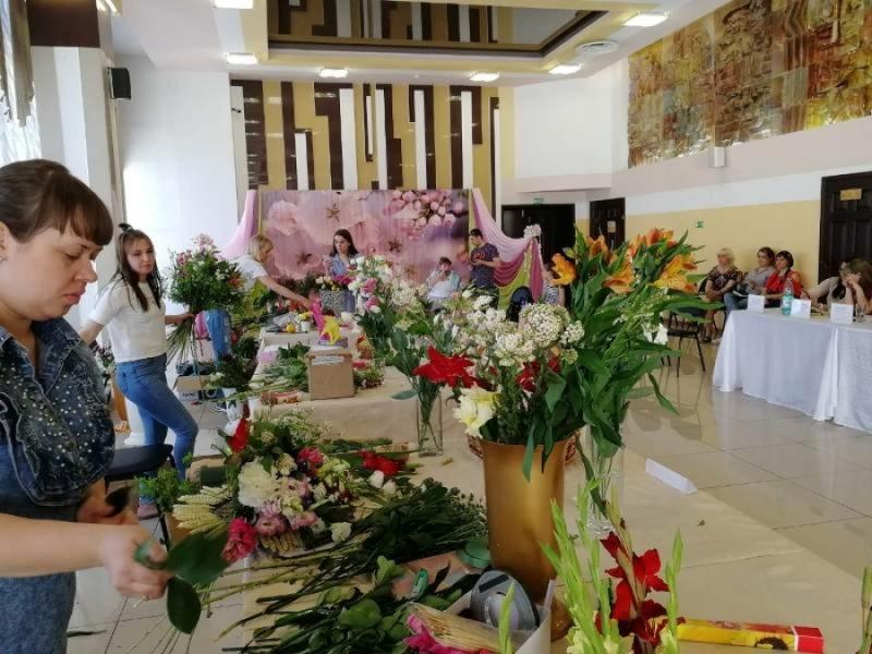 В Мысках определили лучших флористов