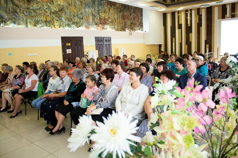 В Мысках прошел торжественный прием работников торговли