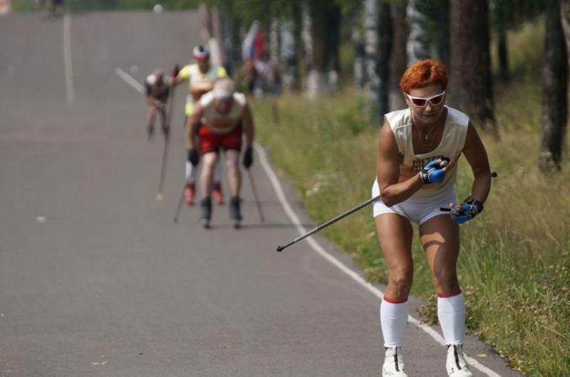Мысковчане стали участниками соревнований по лыжероллерам в Междуреченске