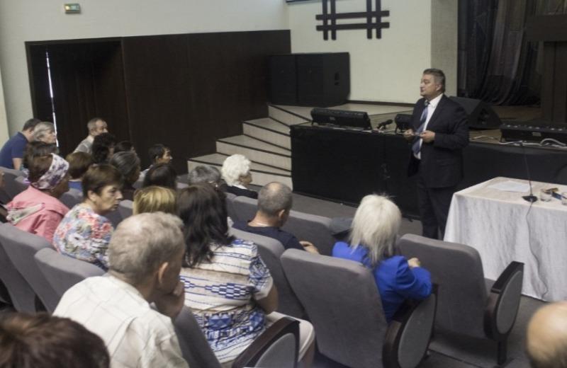 В Мысках прошла встреча жителей и руководства «Разреза Кийзасский»