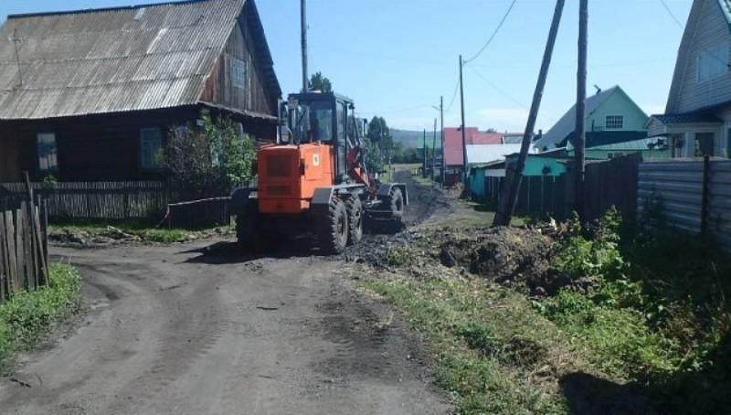 В Мысках ремонтируют дороги в частном секторе