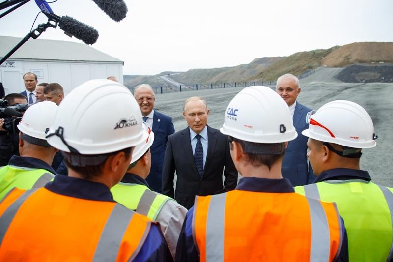 Владимир Путин посетил с рабочим визитом Кемеровскую область