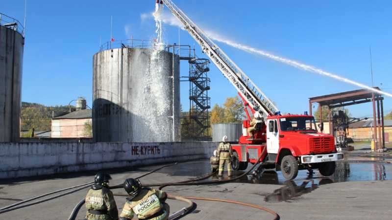 «Южный Кузбасс» провел показательные учения по проведению пожарно-спасательных работ на объекте ТЭК