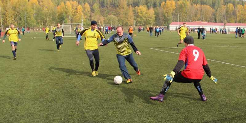 «Южный Кузбасс» в рамках турнира по мини-футболу определил лучших футболистов
