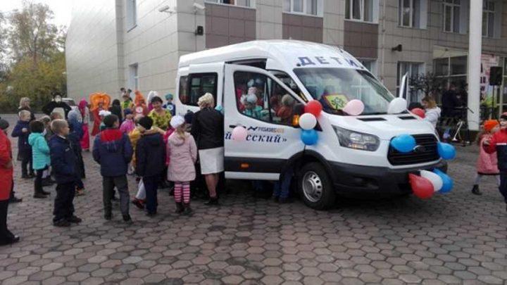 ГИБДД: С 1 октября внесены изменения в правила организованных перевозок групп детей