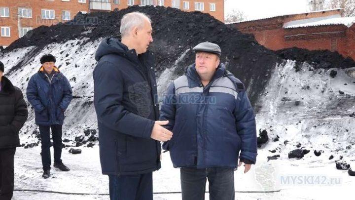 В Мысках в ходе очередного объезда городских территорий основное внимание было обращено на состояние дорожной сети