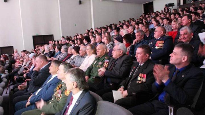Ветеранов афганской войны наградили на торжественном приеме главы Мысков