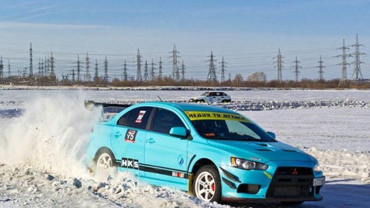 Мысковчане приняли участие в автогонках на льду «Ледовый слалом» в Белово