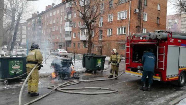«ЭкоТек» разъясняет: пожар на контейнерной площадке, что делать?