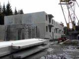 В Мысках продолжается строительство жилого дома на улице Горького