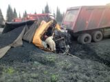 В Мысках грузовик SCANIA уничтожила SHACMAN