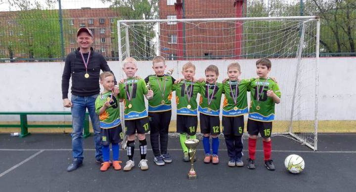 Детская команда по футболу из Мысков стала победителем соревнований в Новокузнецке