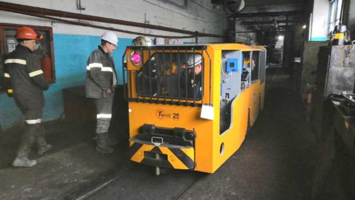 «Южный Кузбасс» приобрел новый локомотив для шахты