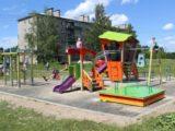 В Мысках появились два новых детских городка