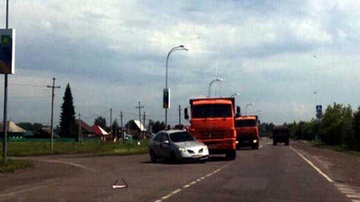 В Мысках КаМАЗ столкнулся с иномаркой