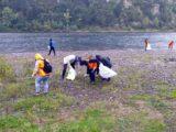Волонтеры навели порядок на пляжах в Мысках