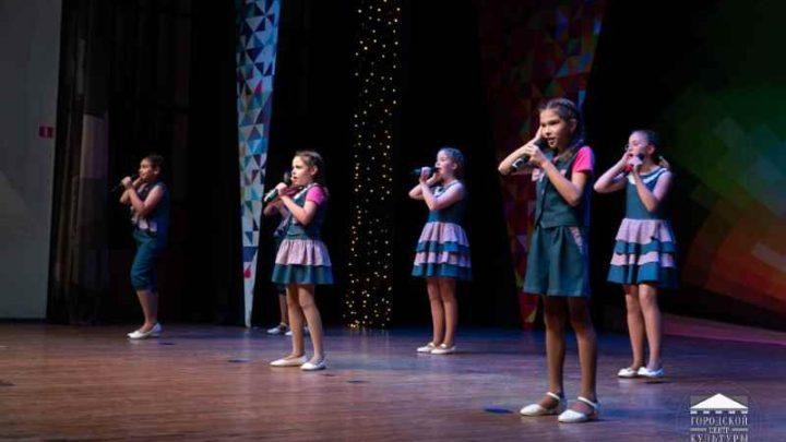 В Мысках состоялся II отборочный тур регионального детско-юношеского фестиваля-конкурса исполнителей эстрадной песни «Овация»