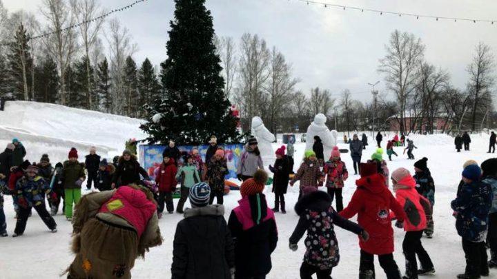 На снежном городке парка «Юбилейный» прошел «Большой зимний заезд»